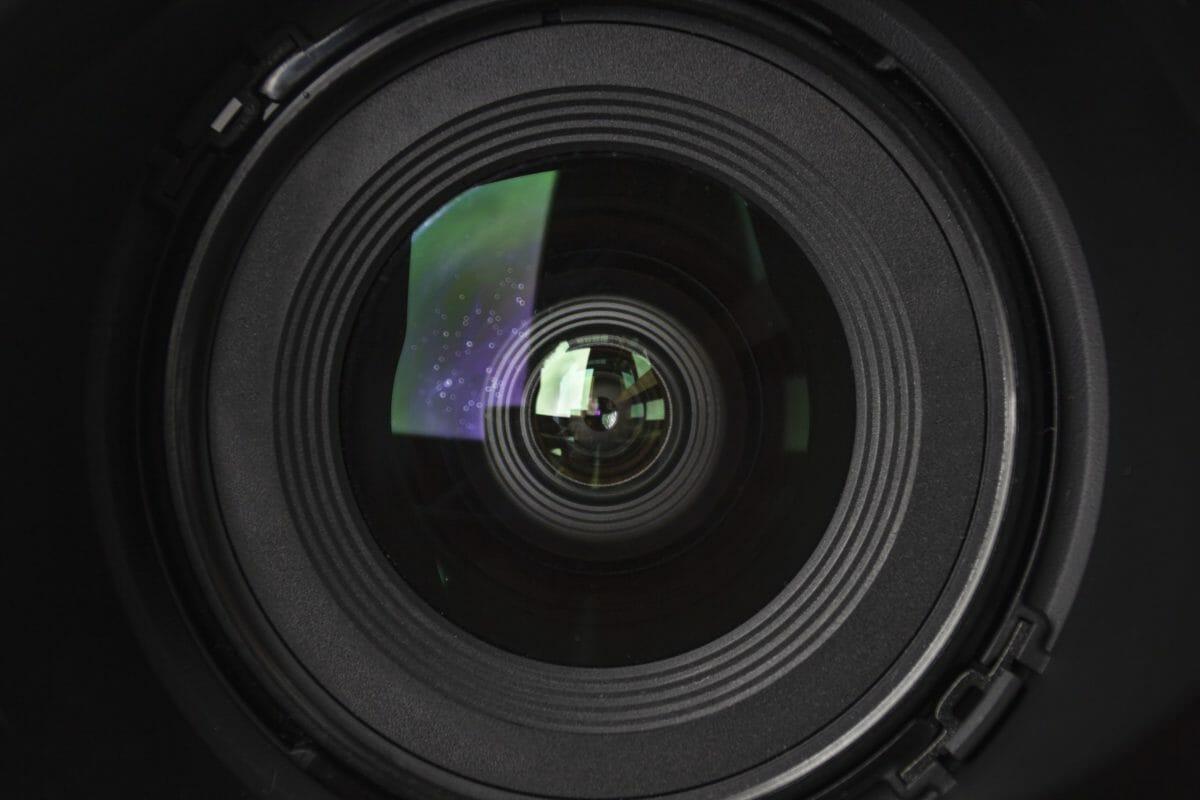 Camera-lens-676829-scaled